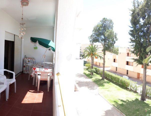 Apartamento T1 em Nossa Sra. da Rocha